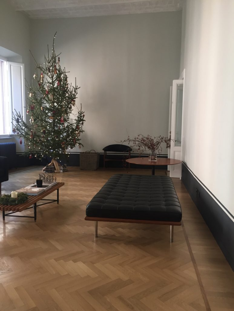 Legno Laccato Su Misura house in boschetto in rome – annalisa bellettati